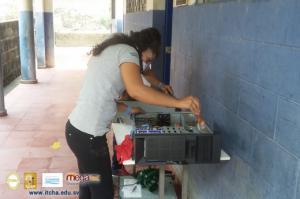 Mantenimiento en Cómputos de Centros Educativos de Chalatenango