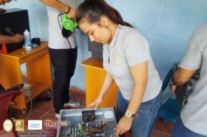 Mantenimiento a centro de cómputo del Instituto de Santa Rita