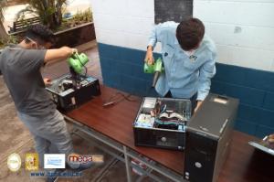 Mantenimiento a Computadoras de Centros Escolares de Chalatenango